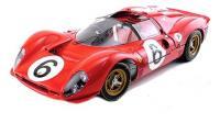 Ferrari makett 6-os rajtszámmal