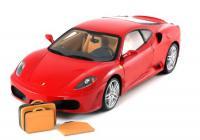 Ferrari makett utazótáskákkal